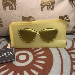 Ulta NWT Yellow and gold sunglass 😎 case